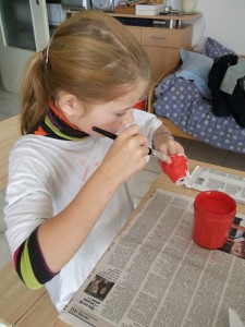 Margot a la peinture